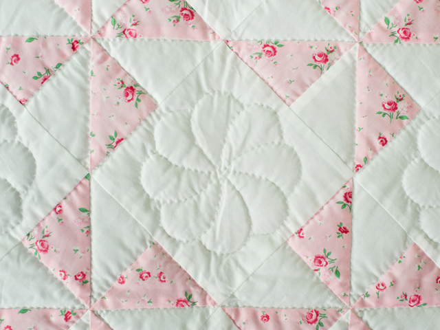 Cottage Garden Roses Pinwheel Quilt Photo 4