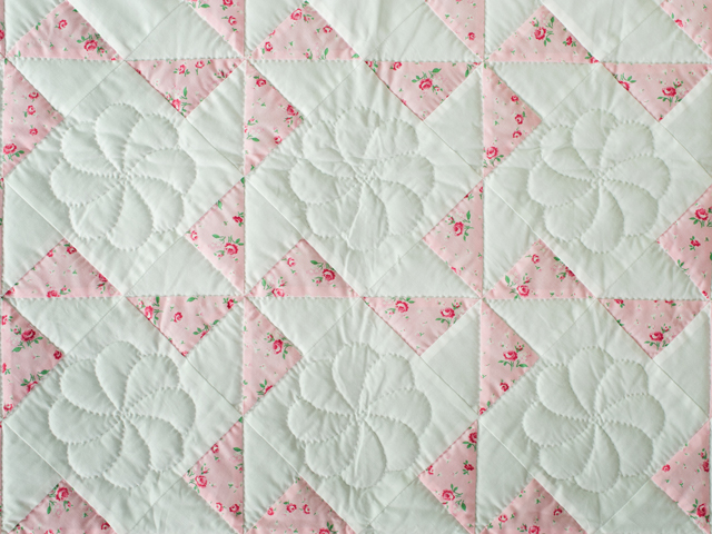 Cottage Garden Roses Pinwheel Quilt Photo 5