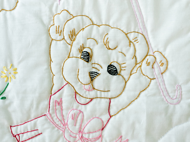 Pink and White Hand Embroidered Teddy Bears Crib Quilt Photo 4
