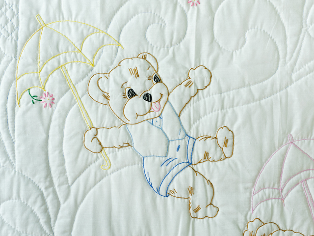 Pink and White Hand Embroidered Teddy Bears Crib Quilt Photo 5