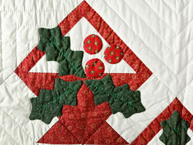 Holly Basket Christmas Wall Hanging Photo 3