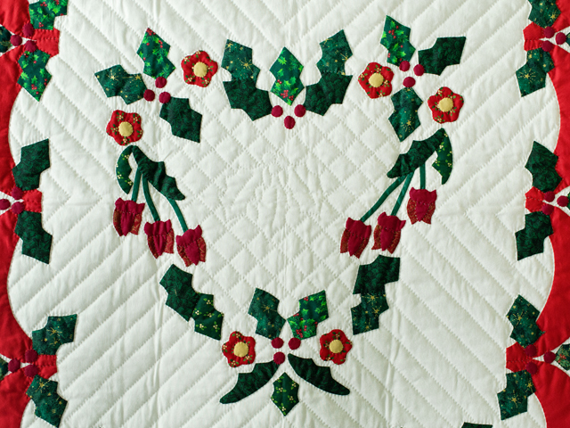 Holly Heart Christmas Wall Hanging Photo 3