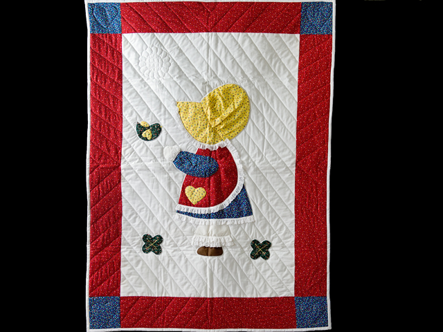 Little Dutch Girl Crib Quilt Photo 1