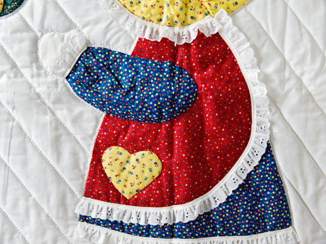 Little Dutch Girl Crib Quilt Photo 4