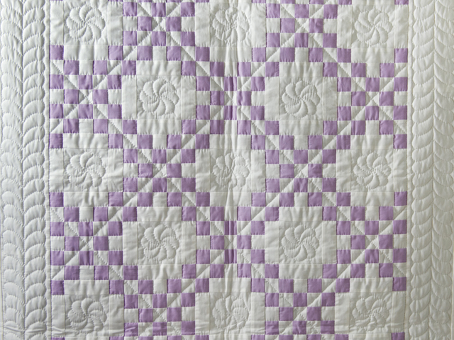 Thistle Lavender and White Irish Chain Quilt Photo 2