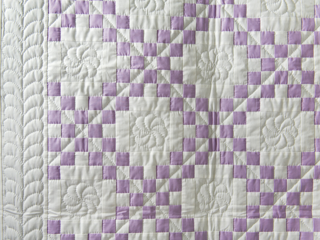 Thistle Lavender and White Irish Chain Quilt Photo 4