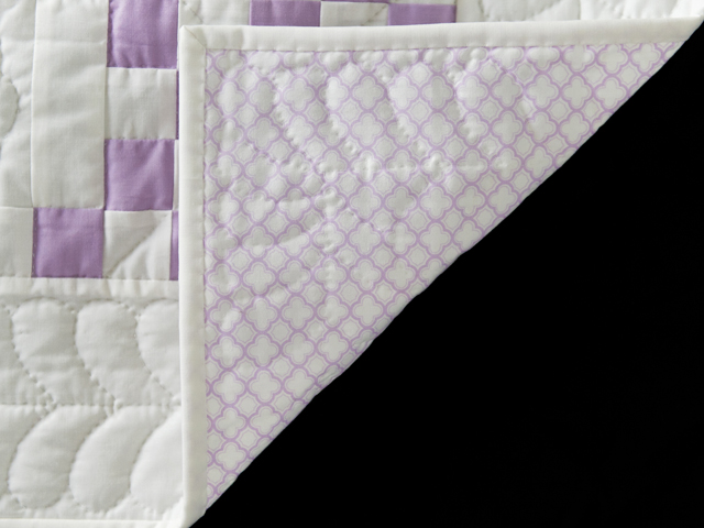 Thistle Lavender and White Irish Chain Quilt Photo 5
