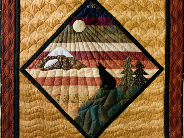 Howling Wolf Quilt Photo 2