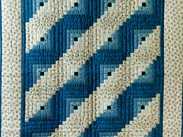 Navy and Cream Log Cabin Quilt Photo 2