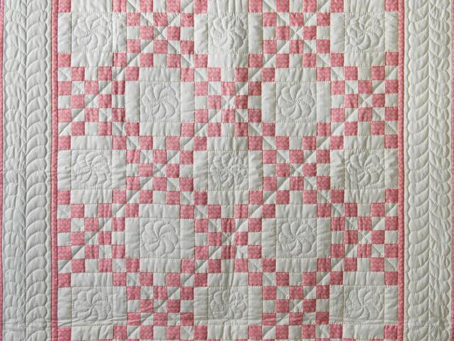 Rose and Natural Irish Chain Quilt Photo 2