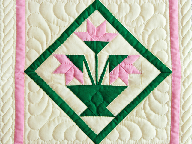 Indiana Amish Pink and Cream Tulips Wall Hanging Photo 2