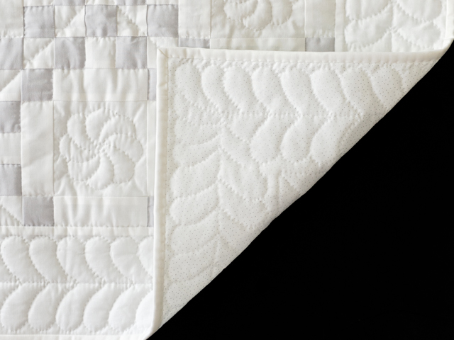 Pristine Gray and White Irish Chain Quilt Photo 5