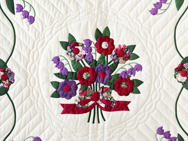 Rose of Sharon Wall Hanging Photo 3