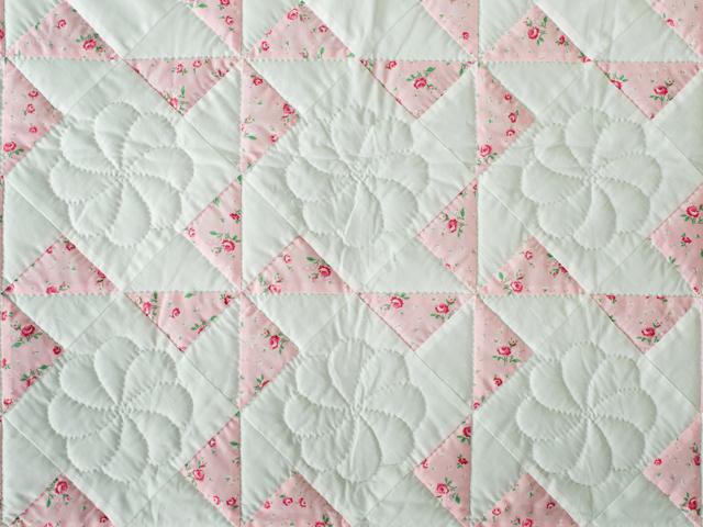 Cottage Garden Roses Pinwheel Quilt Photo 5