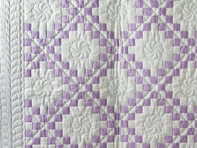 Thistle Lavender and White Irish Chain Quilt Photo 3