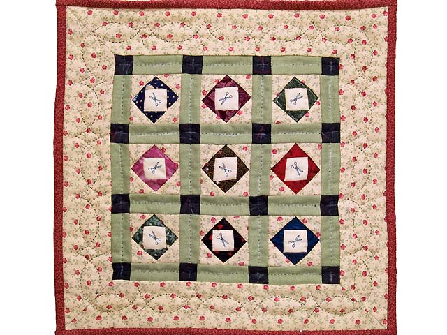 Miniature Patchwork Diamonds with Scissors Quilt Photo 1