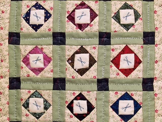 Miniature Patchwork Diamonds with Scissors Quilt Photo 2