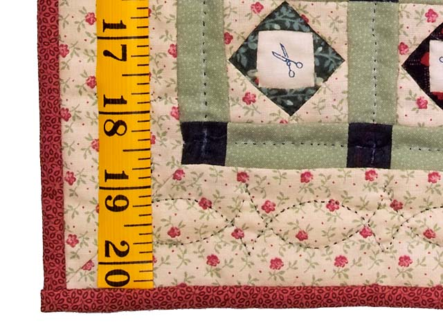 Miniature Patchwork Diamonds with Scissors Quilt Photo 3