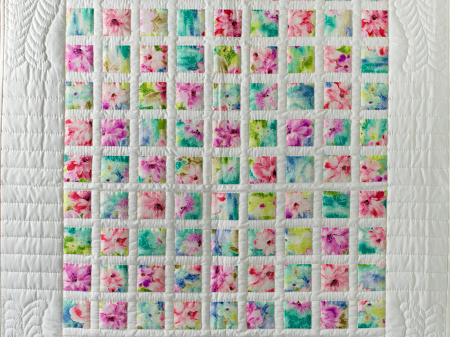 Watercolor Floral Delight Quilt Photo 2