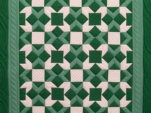 Indiana Amish Green and Cream Metathesis Quilt Photo 2