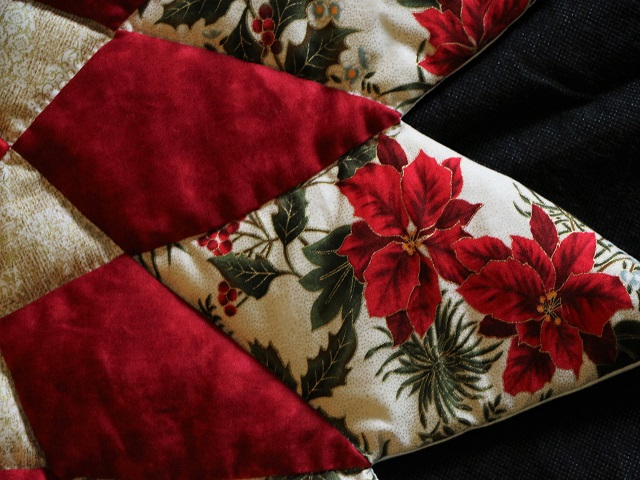 Christmas Floral  Red Table Top Photo 5
