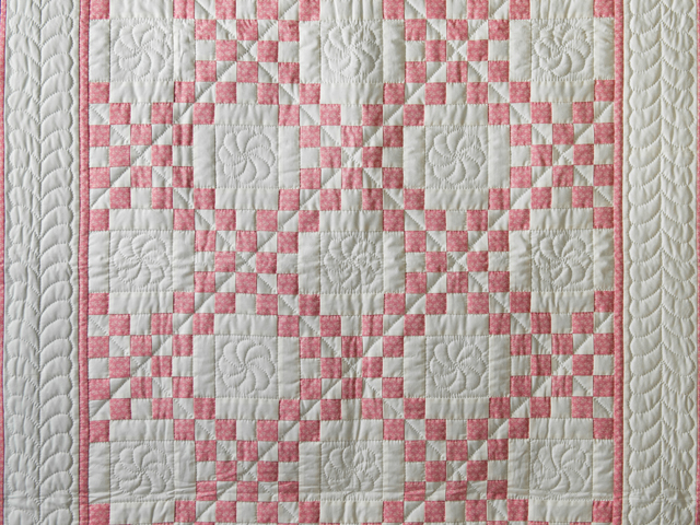 Rose and Natural Cream Irish Chain Quilt Photo 2