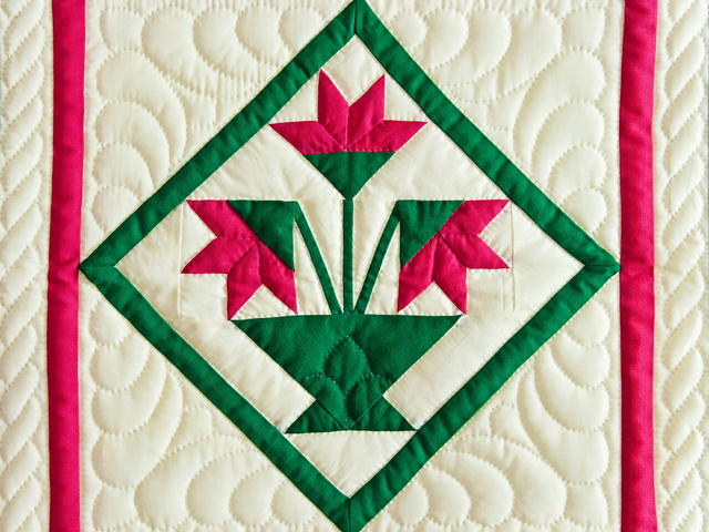 Indiana Amish Raspberry and Cream Tulips Wall Hanging Photo 2