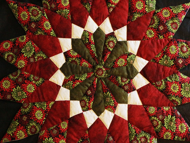 Burgundy Green Table Top Photo 2