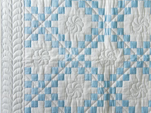 Lake Blue and White Irish Chain Quilt Photo 3
