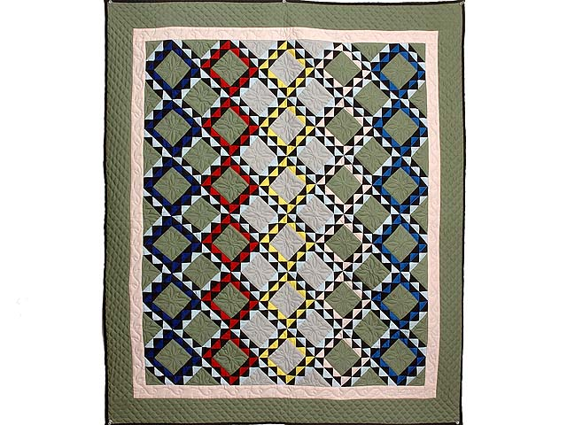 Indiana Amish Gray and Multi Color Ocean Waves Quilt Photo 1