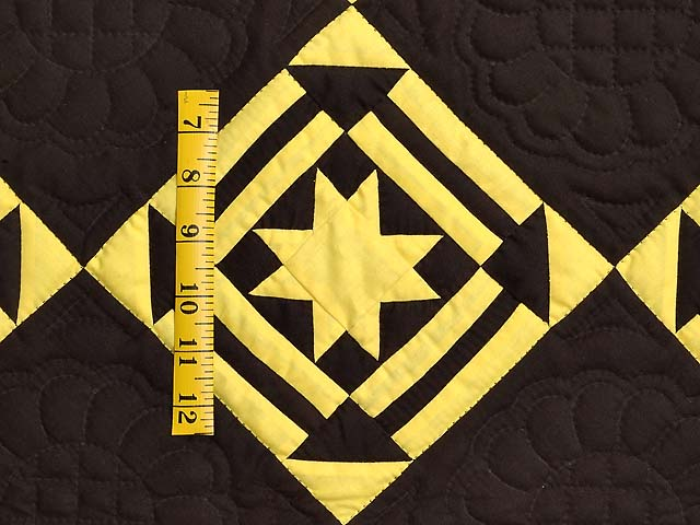 Indiana Amish Hole in the Barn Door Quilt Photo 3