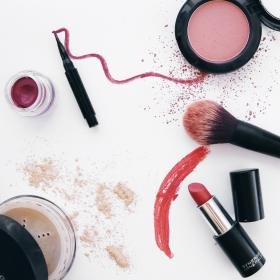 Synergie Mineral Specific Make-Up Products