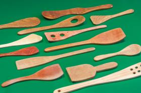 Spoons and stirrers (large and small)