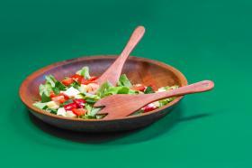 Salad servers