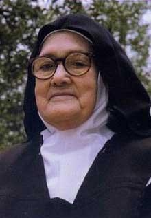 Lucia dos Santos - Nun picture