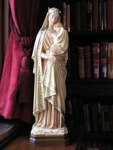 """Statue of """"Sedes Sapientiae"""" [Seat of Wisdom]"""
