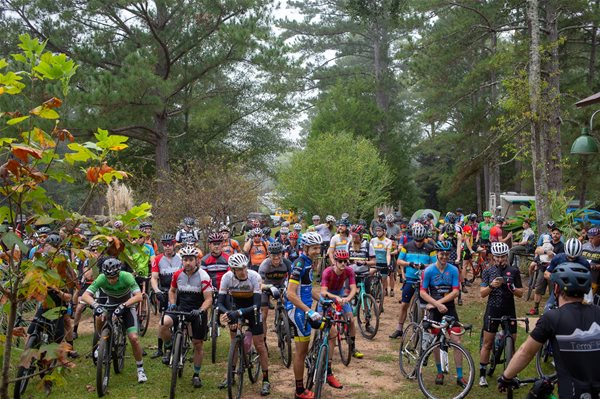 Standard Deluxe's Dirt Road Century Ride sells out in record time