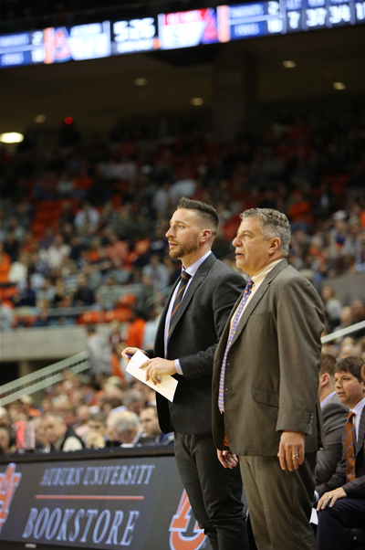 Make memories at Bruce Pearl Basketball Camps this summer