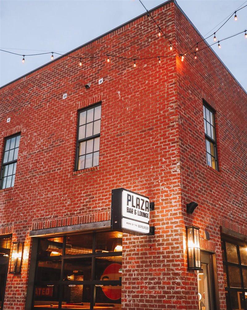 Auburn Plaza Bar & Lounge