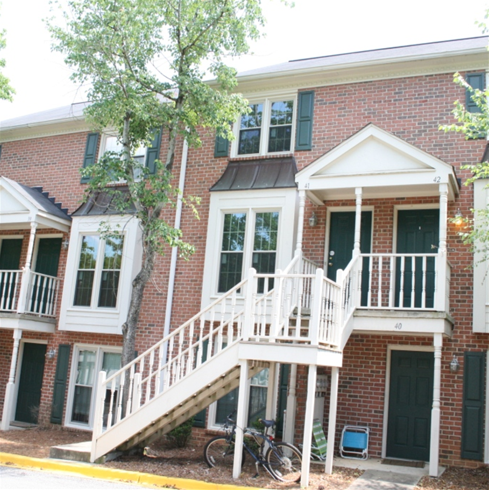 Condos Townhouses For Rent: Condos / Townhouses For Rent: 2 Beds/2 Baths For $1500