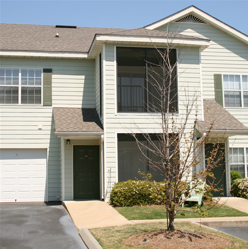 Condos Townhouses For Rent: Condos / Townhouses For Rent: 2 Beds/2 Baths For $925
