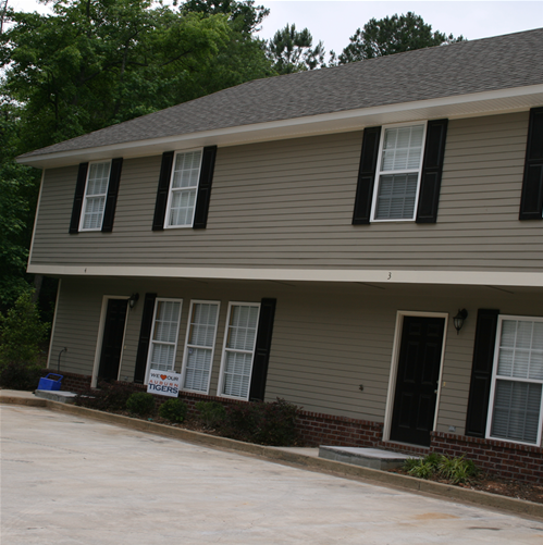 Condos Townhouses For Rent: Condos / Townhouses For Rent: 2 Beds/2 Baths For $800