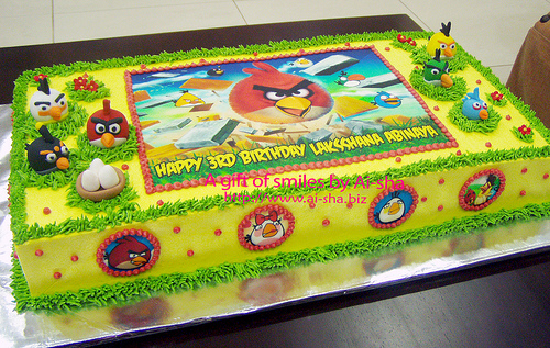 Birthday cake edible image figurines angry birds for Angry birds cake decoration