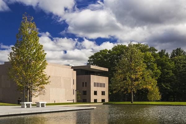 Clark Art Institute: Manton Research Center Photo credit: Jeff Goldberg/Esto, Clark Art Institute