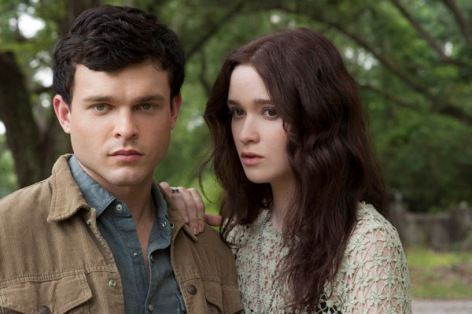 'Beautiful Creatures' Film Conjures the Spirit of Book But Purists Beware | Movie Review