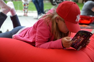 Tiotretton reading 300x200 Stockholm's Tio Tretton Library Gives Tweens a Space of Their Own