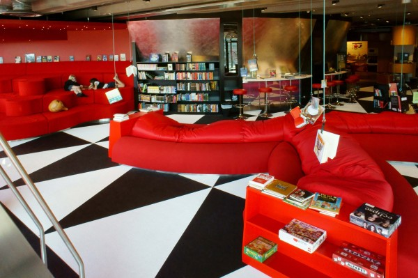 tiotretton5 600x399 Stockholm's Tio Tretton Library Gives Tweens a Space of Their Own