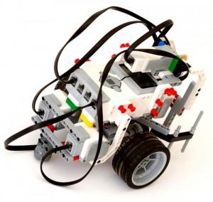 Lego Robot: Thinkstock/Cylonphoto