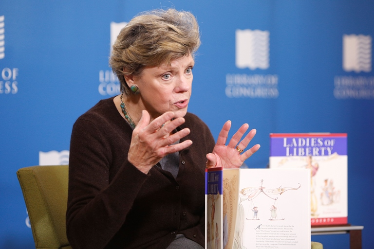 Cokie Roberts Captivates Kids at the Library of Congress | Pictures of the Week