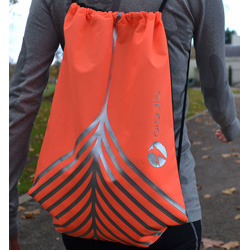 Oiselle_feather_spike_bag